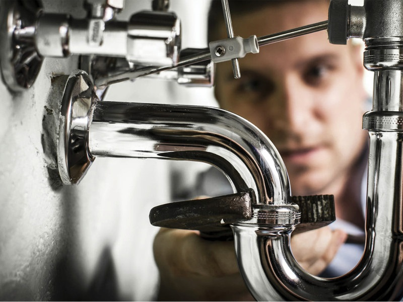 The Advantages You Get From Hiring Professional Plumbers