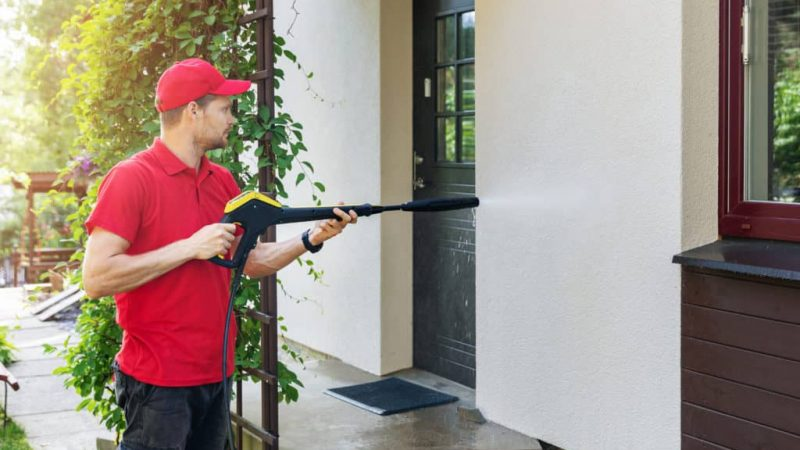 Pressure Washing Your Home: Why Leave the Job to the Pros